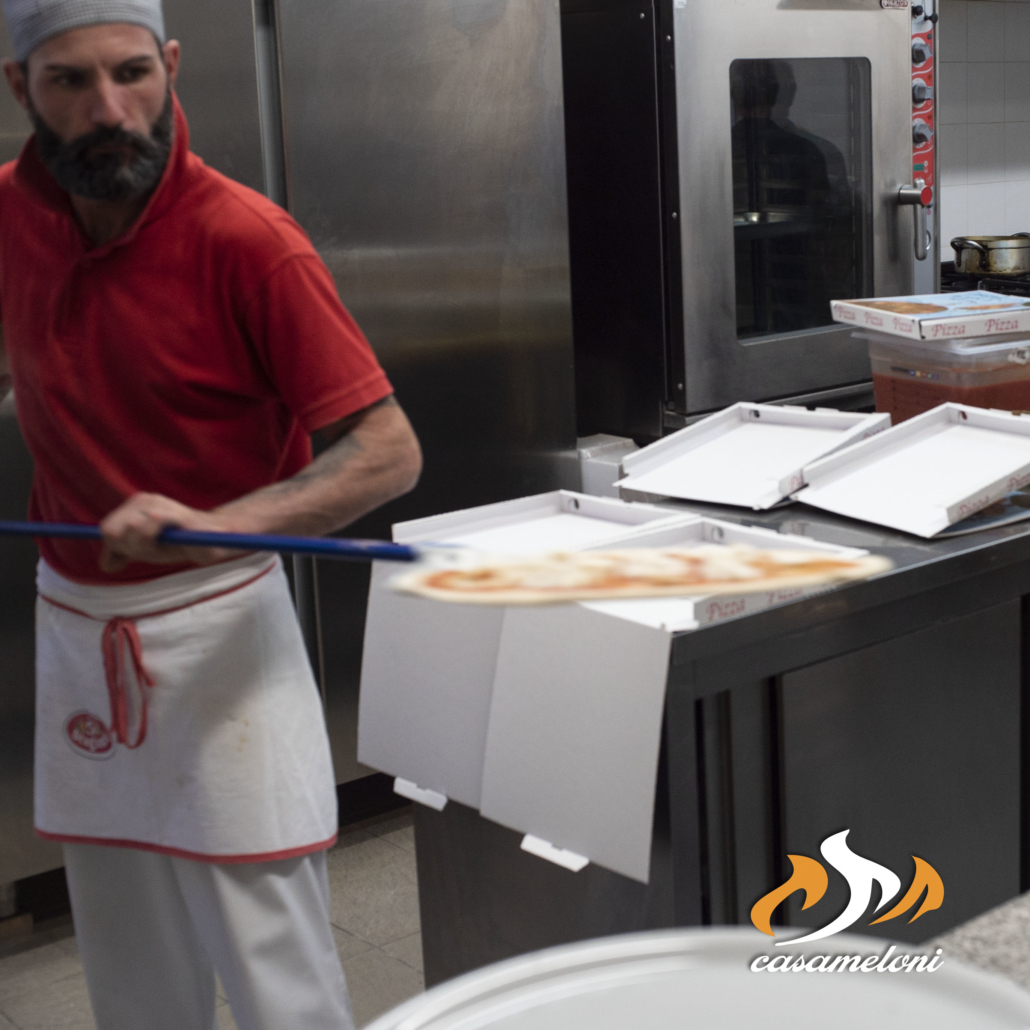 Vi ricordiamo che potete gustare le nostre deliziose pizze anche da asporto | CasaMeloni Pizzeria e Grill a Villasimius