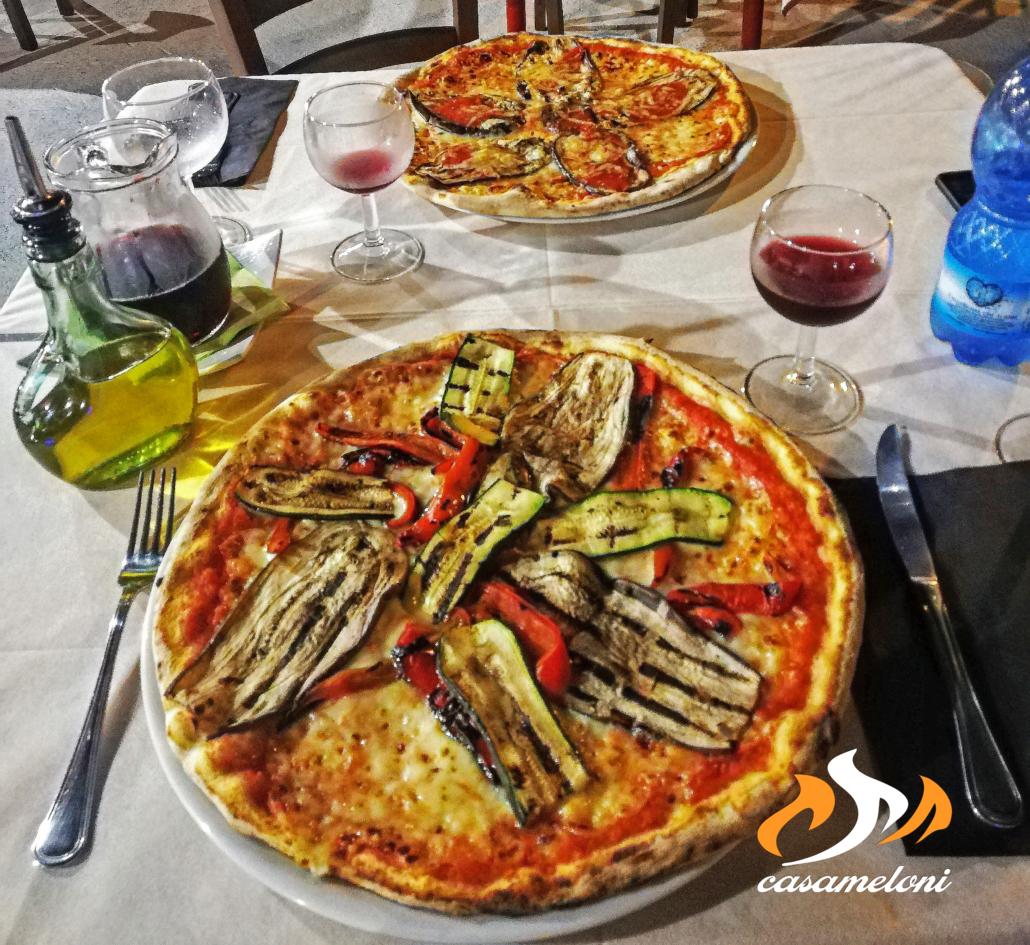 Ortolana e Parmigiana con verdure rigorosamente freschi e selezionate da produttori locali | CasaMeloni Pizzeria e Grill a Villasimius