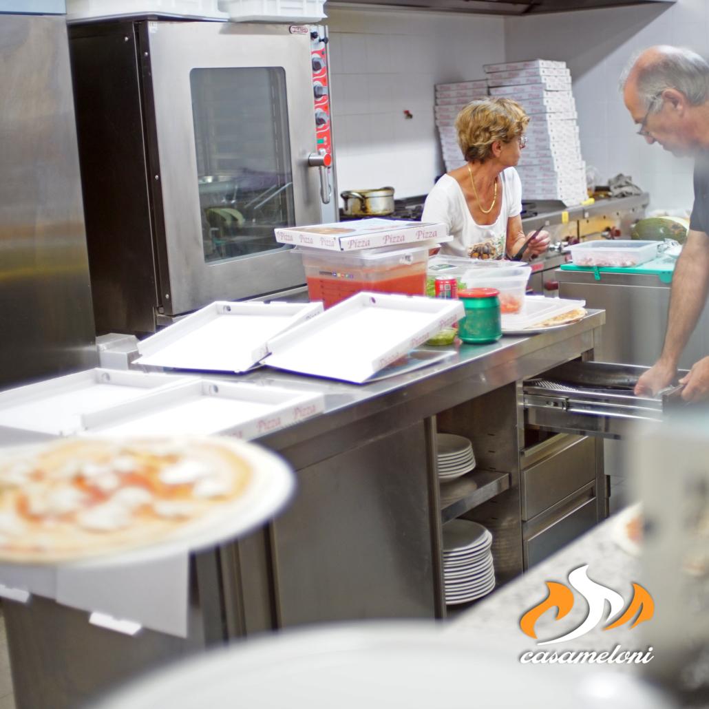 Ordina tramite Whatsapp la miglior pizza da asporto di Villasimius | Casa Meloni Pizza e Grill