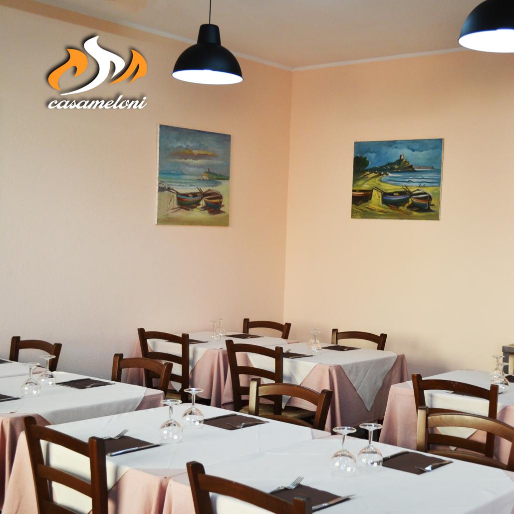 L'autunno a Villasimius è meraviglioso... e se siete freddolosi c'è sempre la nostra sala interna | Casa Meloni Pizza e Grill a Villasimius